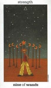 Lá bài nine of wands trong bộ sun and moon tarot