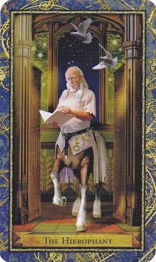 Ý nghĩa lá The Hierophant trong bộ bài Wizards Tarot