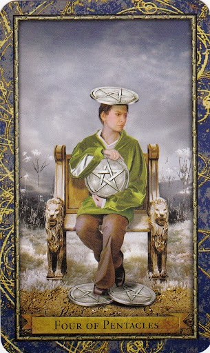 Ý nghĩa lá 4 of Pentacles trong bộ Wizards Tarot