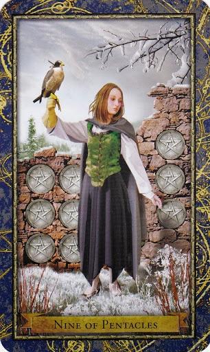 Ý nghĩa lá 9 of Pentacles trong bộ Wizards Tarot