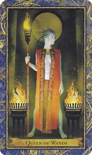 Ý nghĩa lá Queen of Wands trong bộ bài Wizards Tarot