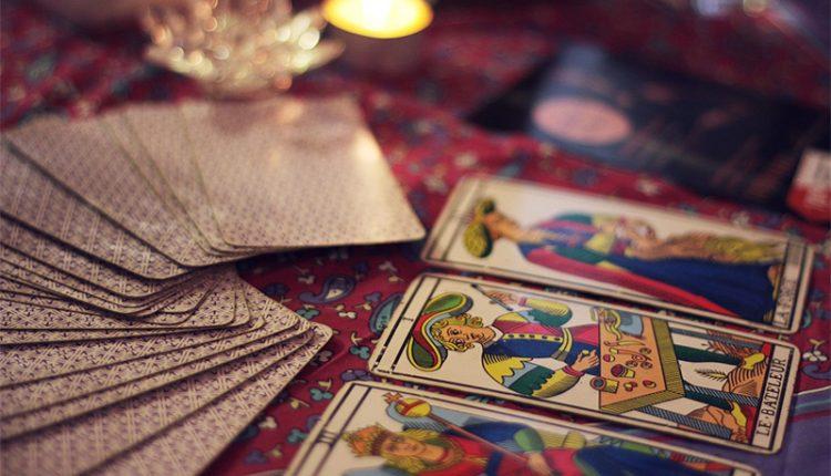 Tarot & Astro: Tính Ứng Dụng Của Cuốn Sách