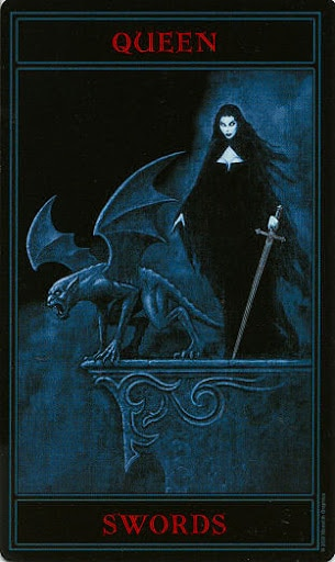 Lá Queen of Swords – Gothic Tarot