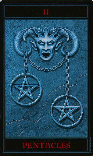 Lá Two of Pentacles – Gothic Tarot