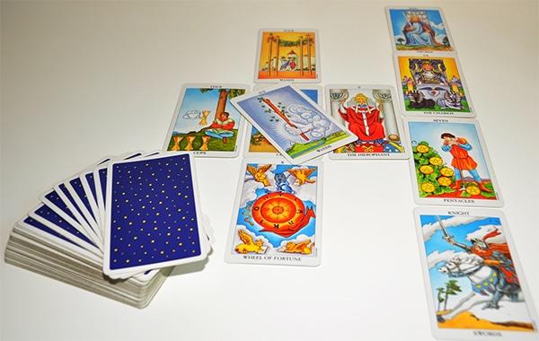 Làm Rõ Câu Hỏi Trong Giải Bài Tarot