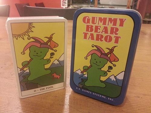 Gummy Bear Tarot – Sách Hướng Dẫn