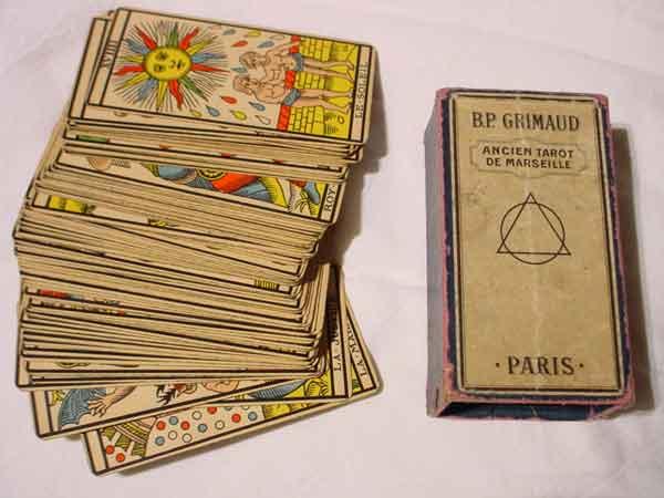 13 Bước Học Tarot Căn Bản Dành Cho Người Mới Bắt Đầu
