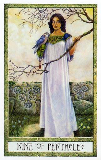 Ý nghĩa lá Nine of Pentacles trong bộ Druidcraft Tarot