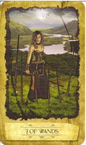Ý nghĩa lá 7 of Wands trong bộ Mystic Dreamer Tarot