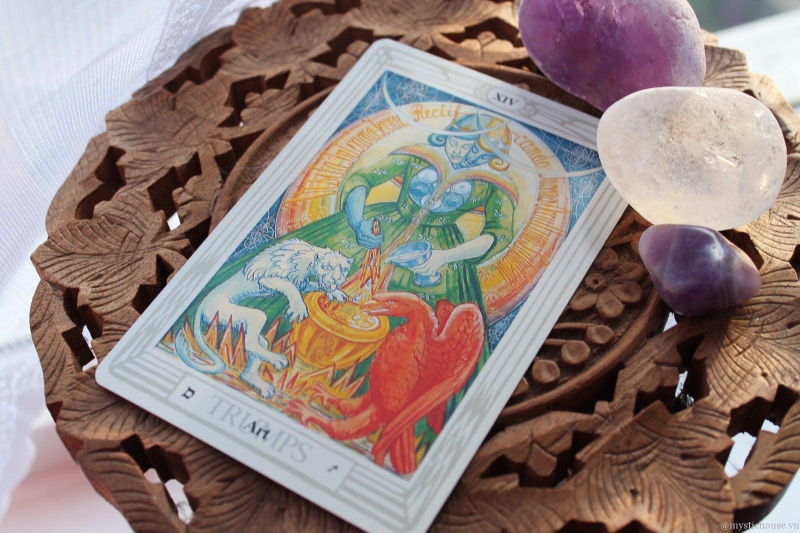7 Cách Thức Thanh Tẩy Các Lá Bài Tarot