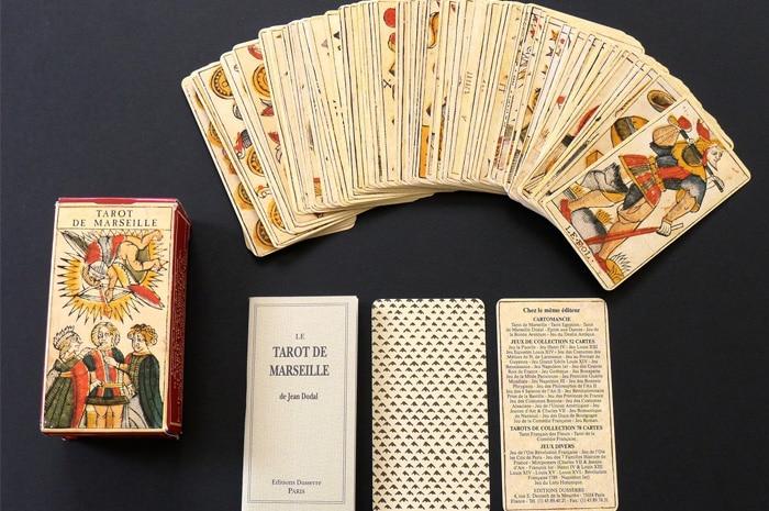Tarot of Marseilles – Sách Hướng Dẫn