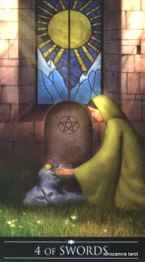 Ý nghĩa lá 4 of Swords trong bộ Silver Witchcraft Tarot