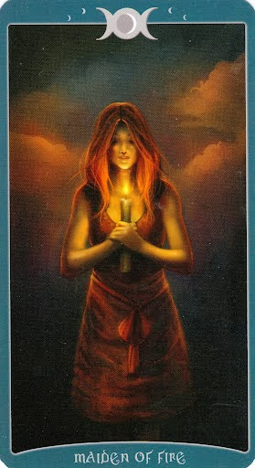 Ý nghĩa lá Maiden of Fire trong bộ Book of Shadows Tarot - As Above