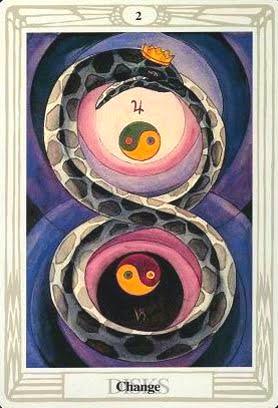 Ý nghĩa lá Two of Disks trong bộ bài Aleister Crowley Thoth Tarot