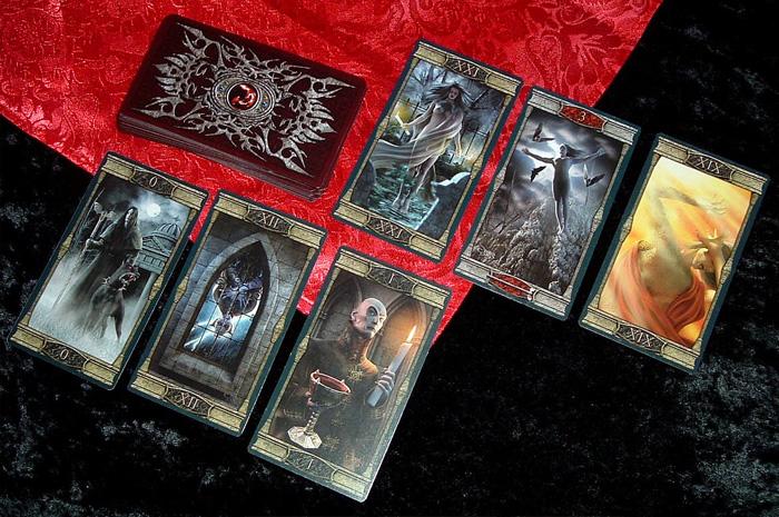 Vampires Tarot of the Eternal Night – Sách Hướng Dẫn