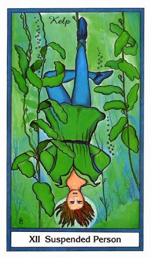 Ý nghĩa lá Suspended Person (The Hanged Man) trong bộ bài Herbal Tarot