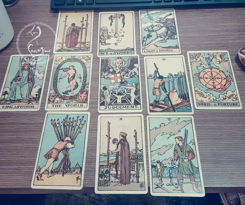 Tarot, tiên tri đúng hay sai?