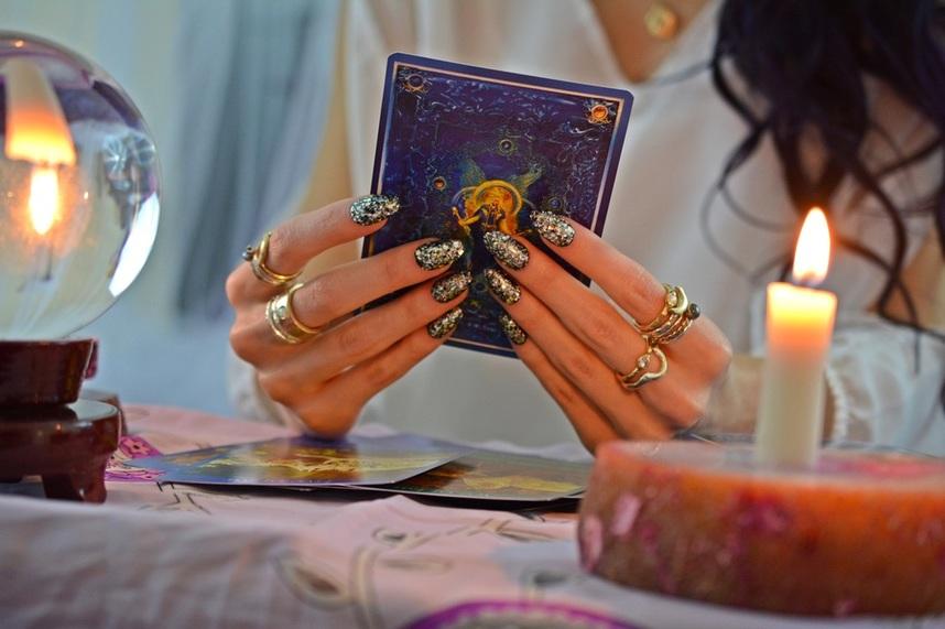 Truyện Ngắn Tarot: Đến Tận Cùng Trái Đất – Vì Anh