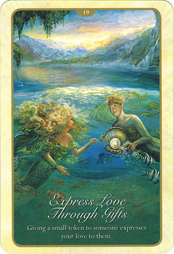 Ý nghĩa lá 19. Express Love Through Gifts trong bộ bài Whispers of Love Oracle Cards