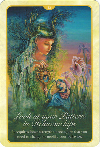 Ý nghĩa lá 32. Look At Your Pattern In Relationship trong bộ bài Whispers of Love Oracle Cards