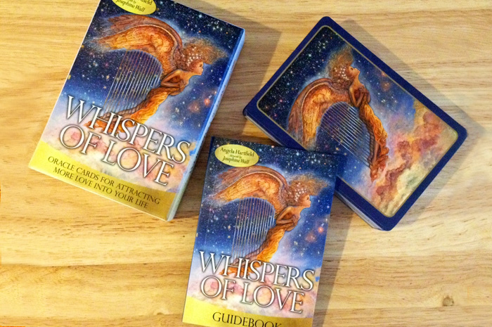 Whispers of Love Oracle Cards – Sách Hướng Dẫn