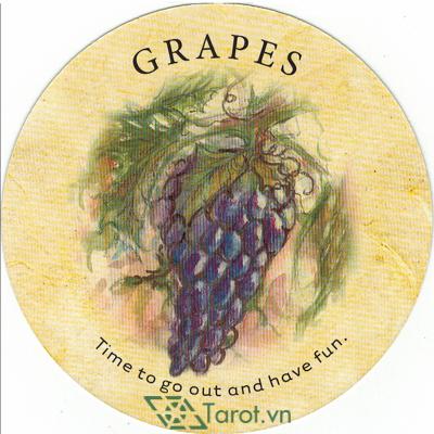Ý nghĩa lá Grapes trong bộ bài Tea Leaf Fortune Cards