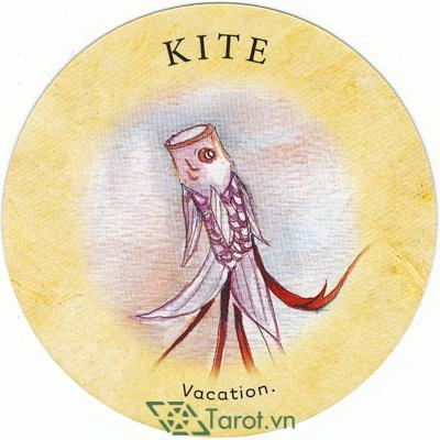 Ý nghĩa lá Kite trong bộ bài Tea Leaf Fortune Cards