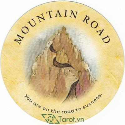 Ý nghĩa lá Mountain Road trong bộ bài Tea Leaf Fortune Cards