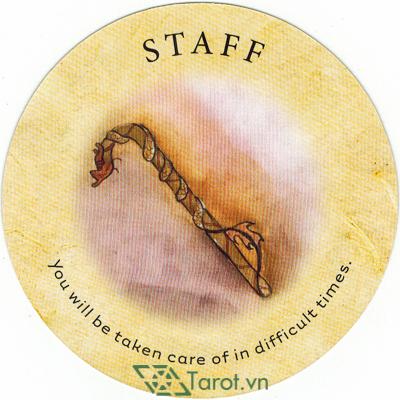 Ý nghĩa lá Staff trong bộ bài Tea Leaf Fortune Cards