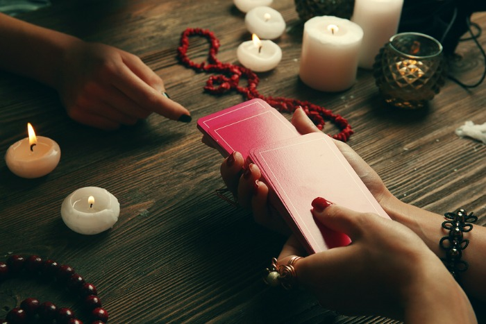 Những Điều Bạn Cần Biết Nếu Muốn Trở Thành Một Người Giải Bài Tarot Chuyên Nghiệp 1