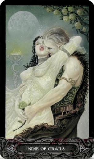 Ý nghĩa lá bài Nine of Grails trong bộ bài Tarot of Vampyres