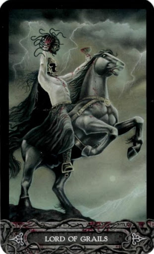 Ý nghĩa lá bài Lord of Grails trong bộ bài Tarot of Vampyres