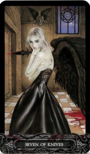 Ý nghĩa lá bài Seven of Knives trong bộ bài Tarot of Vampyres
