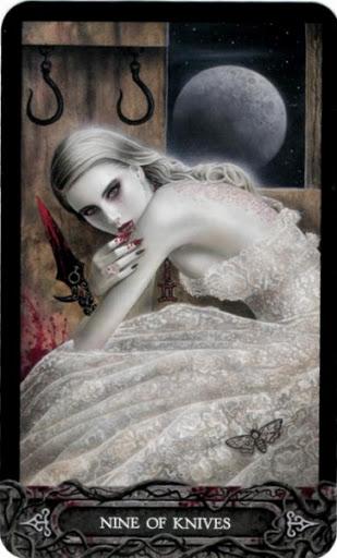 Ý nghĩa lá bài Nine of Knives trong bộ bài Tarot of Vampyres
