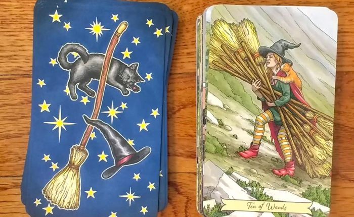 Everyday Witch Tarot – Sách Hướng Dẫn