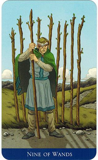 Ý nghĩa lá Nine of Wands trong bộ bài Llewellyn's Classic Tarot