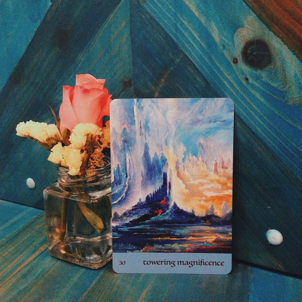 Ảnh: Nguyễn Hiếy Bộ bài: Journey Of Love Oracle Cards