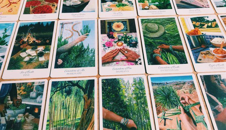 The Herbcrafter's Tarot – Sách Hướng Dẫn
